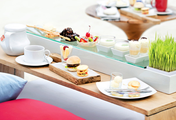 Take a deep breath and let the gentle lullaby of the waves drift you to an afternoon of relaxed sophistication. With a well-curated selection of choice tea and a fine variety of savories, sandwiches, delicate pastries, fruit and scones, it is a fitting highlight to a day of sun, sand and surf.