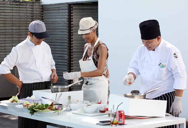Let The Library's culinary team introduce you to the myriad tastes and artistry of authentic Thai cooking. Each class will teach you how to prepare a Thai appetizer, main course and dessert, supervised by The Page's top chef. After which you will be able to enjoy a sumptuous lunch, dining on the dishes you have helped to create.