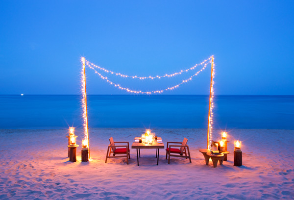 Treat yourself and a loved one to an evening of culinary indulgences along a soft stretch of pristine white sandy beach. The Library is proud to present an artistic private dinner setup complete with a personal butler and tailor-made menu perfect for the occasion.
