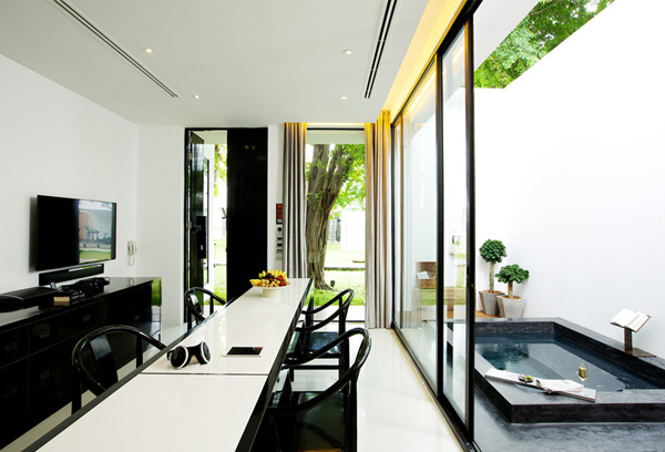 Luxury 2-Bedroom Suite accommodation at The Library Koh Samui Boutique Resort Chaweng Beach - a member of Design Hotels.